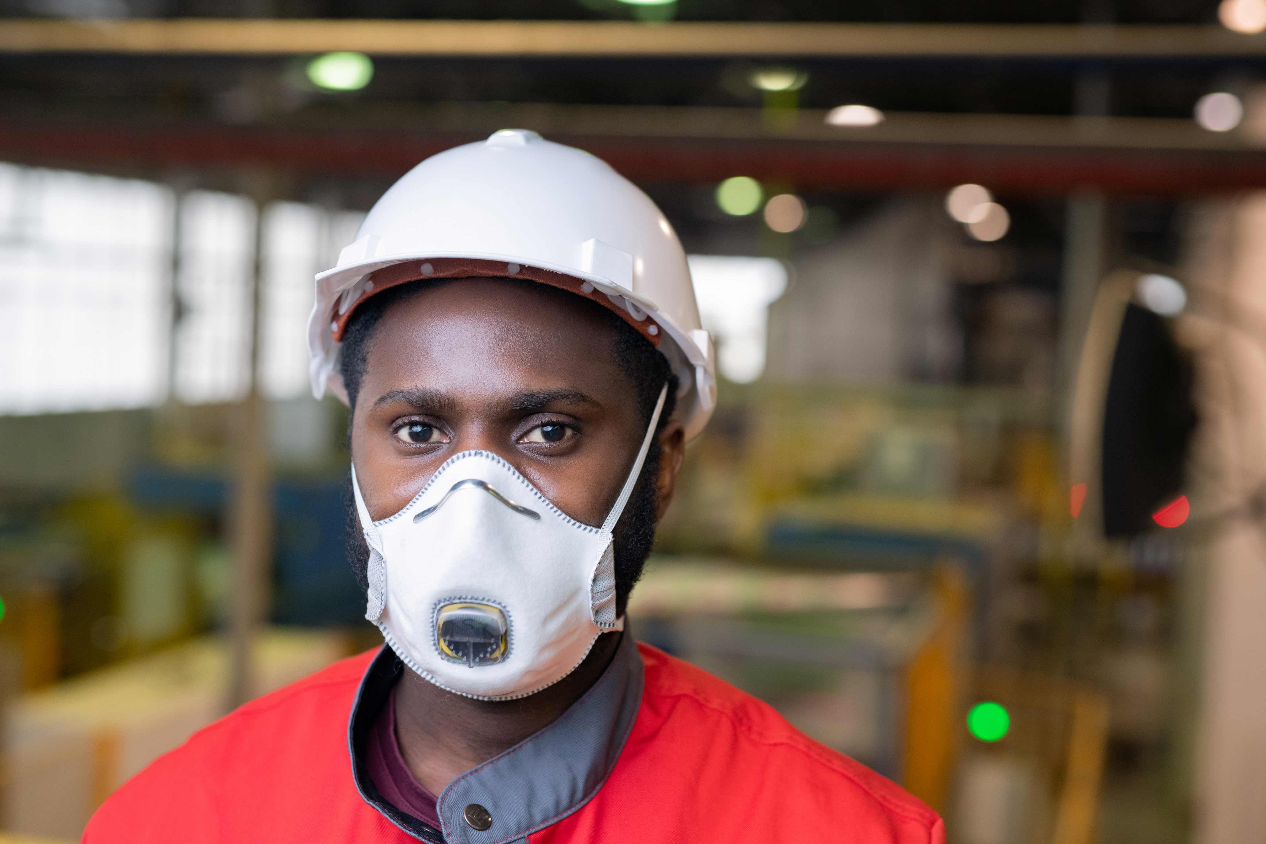 Construction Safety Helmets Vs Hard Hats A New Approach Grainger Knowhow