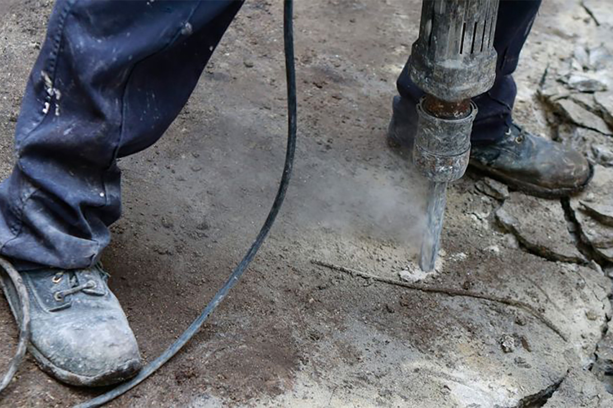 Why Your Workers Aren't Wearing Their PPE - Grainger